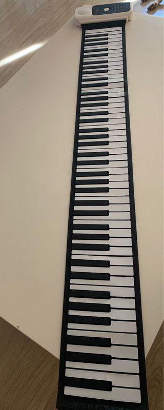 Piano enrollable 8 octavas . NO HAGO ENVÍOS .