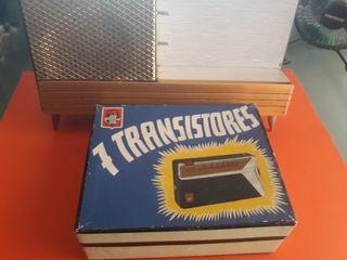 Radio con base alimentadora amplificadora