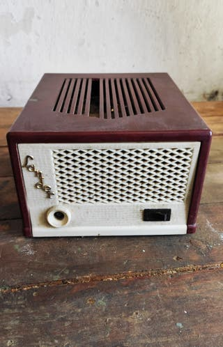 Radio / estabilizador de voltaje tv tele