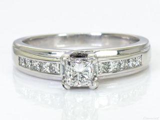 Anillo Oro Blanco y diamantes certificado