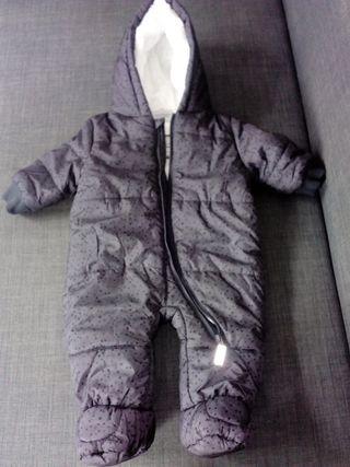 mono de frio impermeable bb