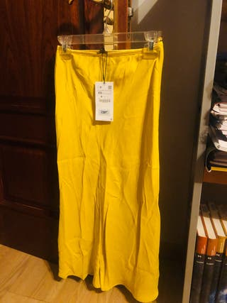 Falda midi amarilla zara