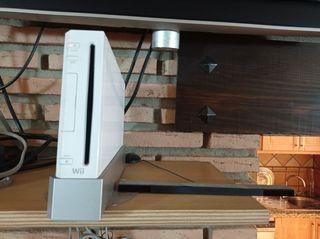 Wii con tres mandos, volante y 4 juegos