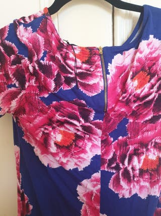 womens flowery top size 10 medium
