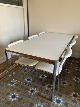 Mesa de madera maciza y hierro