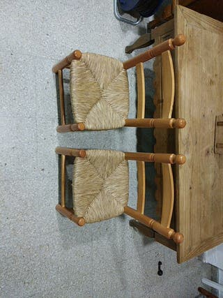 Dos sillitas de boga de niñ@s