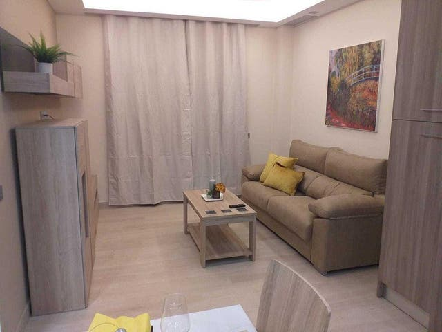 Apartamento en alquiler en Centro Ciudad en Fuengirola (Las Lagunas de Mijas, Málaga)