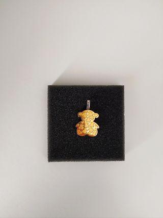 Colgante de osito bañado en oro. No se oxida.