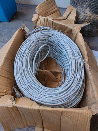 Rollo de cable de red