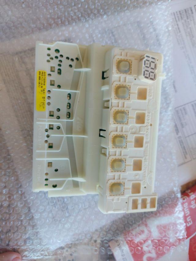 Tarjeta electrónica lavavajillas Siemens.
