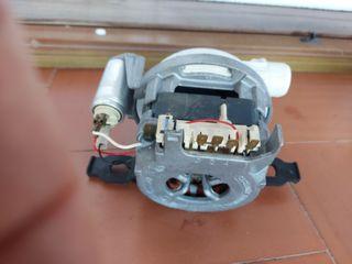 Moto bomba lavavajillas Siemens Bosch.