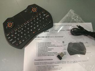 Teclado inalámbrico con touchpad