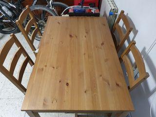 Mesa de madera + sillas