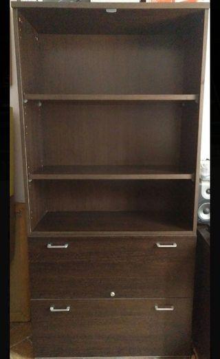 Mueble de oficina con archivador