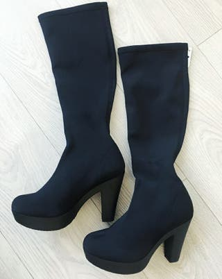 botas altas negras de mujer