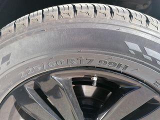 llantas negras brillo y neumáticos kia soportage