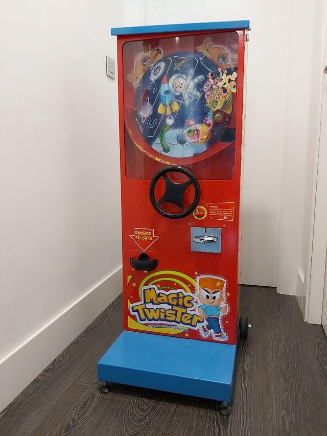 Máquina expendedora de bolas Magic Twister