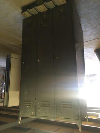Taquilla metalica de 3 puertas, Ref: 270826