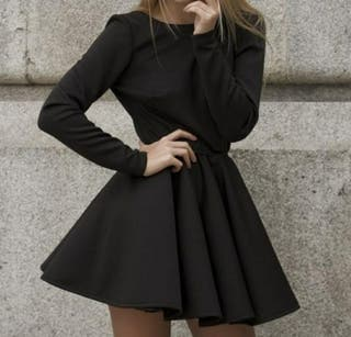 Vestido negro de Kaoa