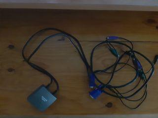 cables para conectar dos ordenadores a un teclado