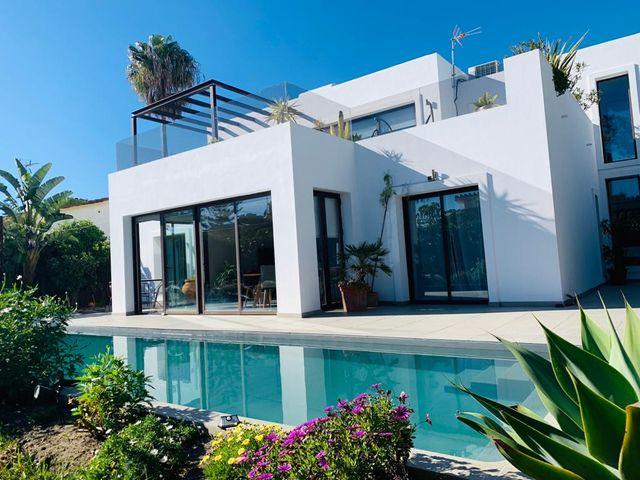 Villa moderna en Saladillo, a 100 m playa (Bel-Air, Málaga)