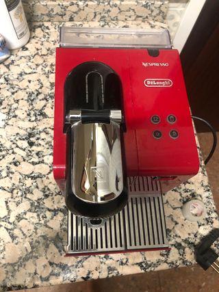 Cafetera Nespresso de segunda mano en Valladolid en WALLAPOP