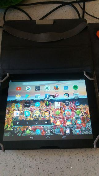 tablet bq en perfecto estado con funda y cargador