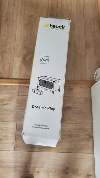 Hauck Dream N Play travel cot