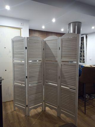 Biombos cuatro y tres puertas.