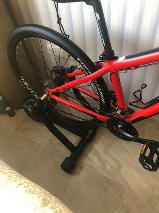 Rodillo y bicicleta