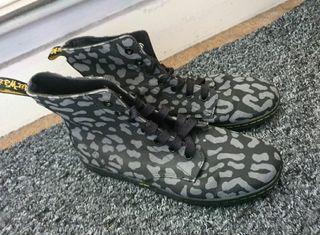Dr martens grey leopard print hackney