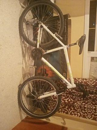 Bicicleta de montaña en muy buen estados