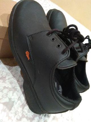 Zapatos de seguridad. EPI. Unisex hombre o mujer.