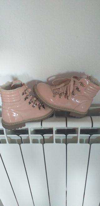 Botas charol rosa palo