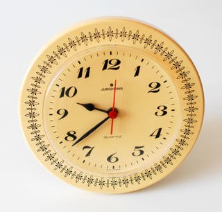 Reloj vintage de pared marca Junghans. Germany