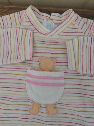 1 Pijama bodi y 1 camisón bebé