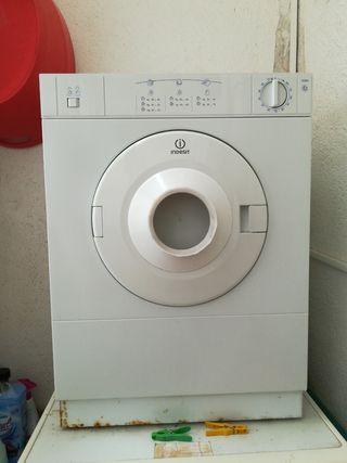 Secadora indesit mini