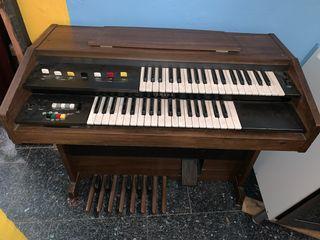 Órgano antiguo Yamaha