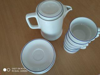 tazas de café con platillo + jarra de leche