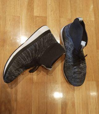 Tenis zapatillas bambas elásticos. Nuevos.