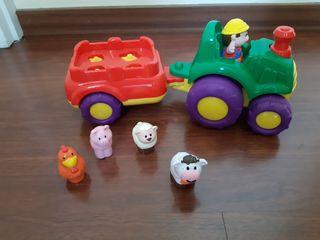 tractor con sonidos bien cuidado. costo 29€