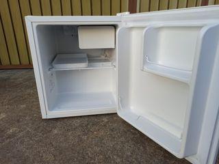 Mini frigorífico-congelador Kunft A+
