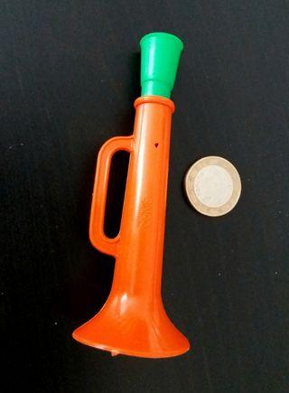 Pequeña trompeta plástico años 70/80