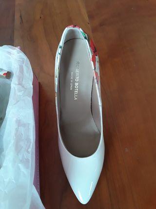 zapatos blancos de novia o fiesta sin estrenar