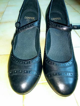Zapato camper cuero negro tacón mujer