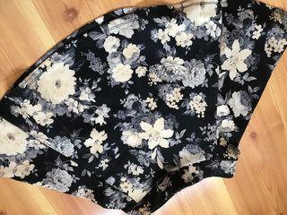 Falda flores