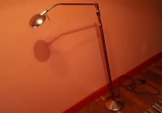 Lámpara de pie de lectura