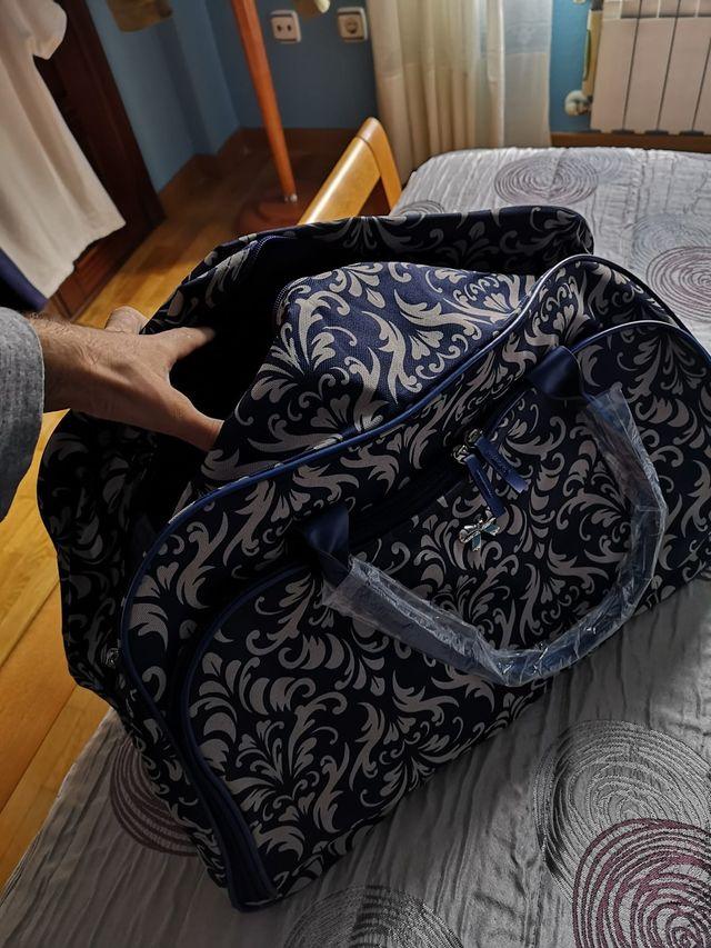 Bolsa maleta nueva con ruedas