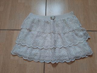 falda con encaje