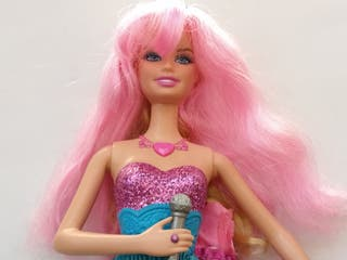Muñeca Barbie princesa Pop